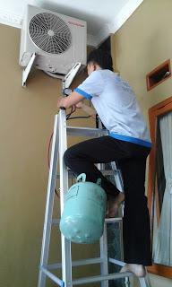 Tukang Service AC di BSD
